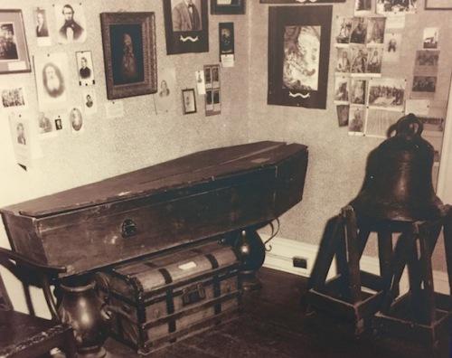 riel's coffin