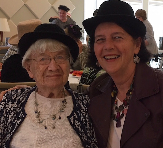 with aunt vi all hatted up (1)
