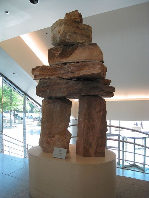 800px-Inukshuk,_Canadian_Embassy,_Washington