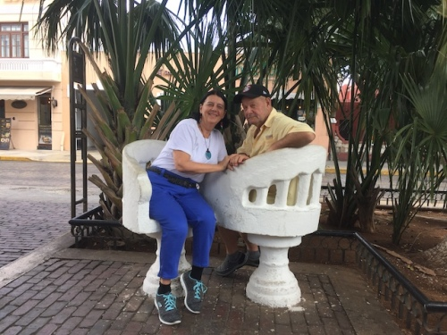 dave and marylou in st lucia plaza merida