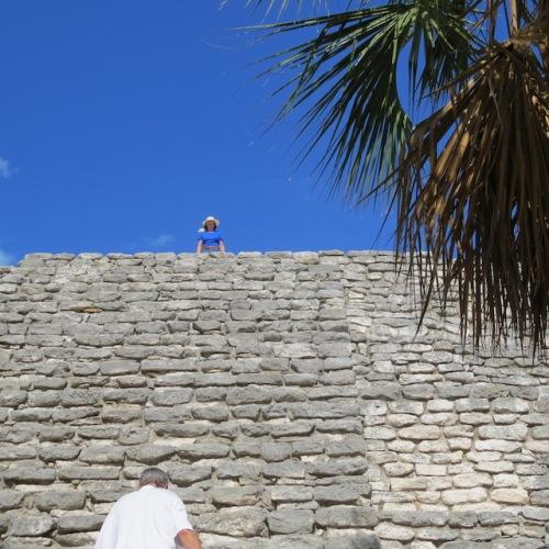 pyramid at xcambo